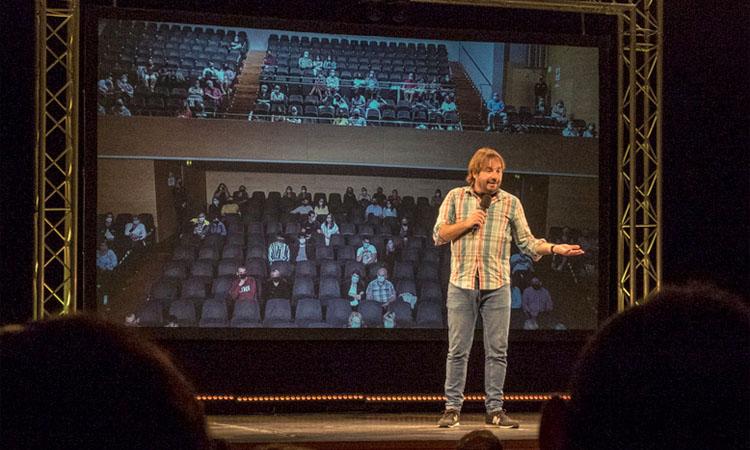 Quim Masferrer inaugura la nova temporada teatral a Barberà