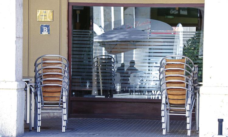 15 dies sense bars ni restaurants