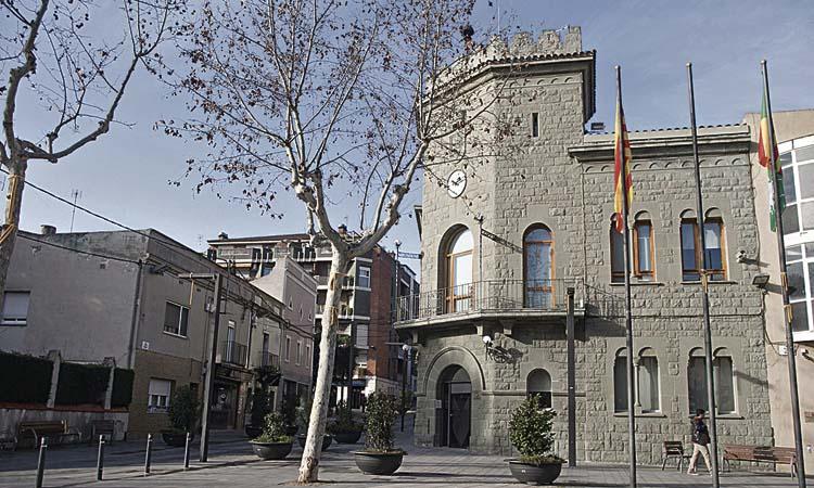 ERC denuncia sobrecostos en els sous del govern de Parets