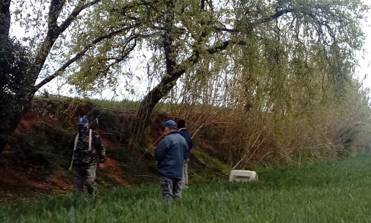 Un grup de caçadors amenaça dos integrants d'Espai Gos a Gallecs