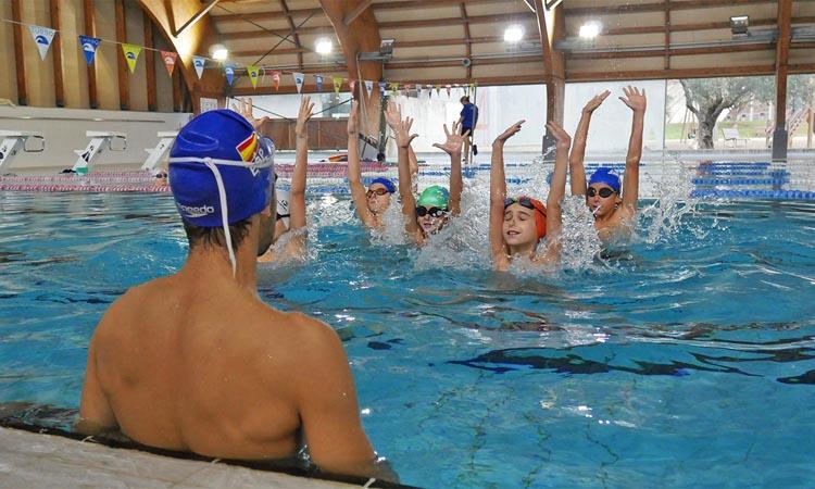 Granollers acull un campus de natació artística masculina