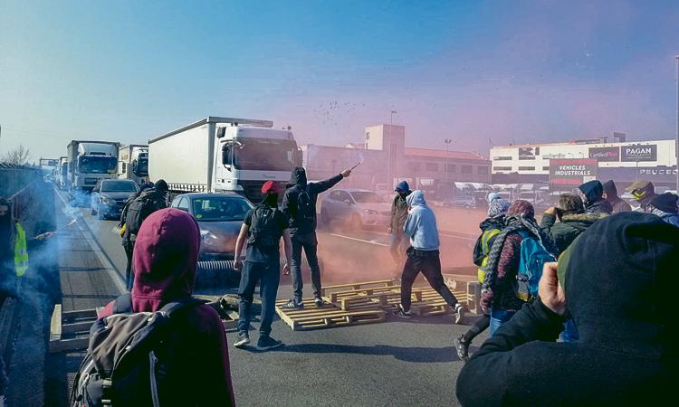 Les manifestacions i els talls de carretera marquen el 21-F