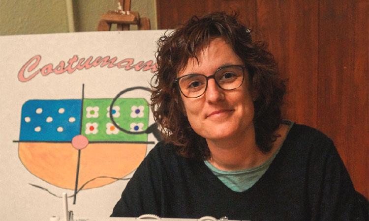 """Anna Martínez (Costumama): """"Cosir ha estat el meu psicòleg per tramitar el càncer"""""""