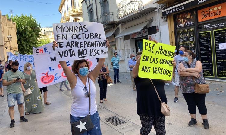 La guerra oberta entre els marxants i l'Ajuntament de Mollet continua