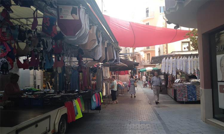 Marxa enrere a Granollers: s'anul·la el mercat ambulant dels dijous
