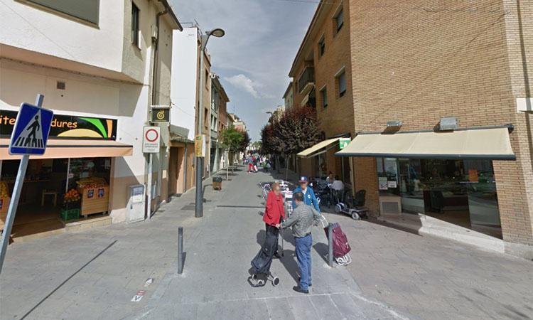 Càmeres per garantir que el carrer Major de Montornès serà per a vianants