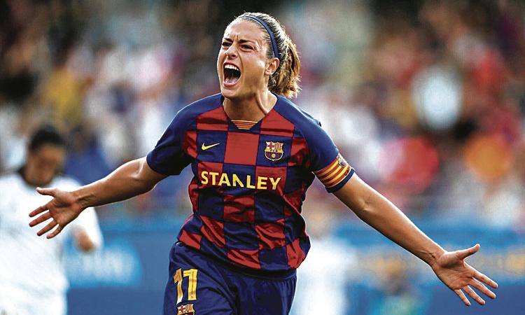 Putellas fa el primer gol del Barça femení a l'Estadi Johan Cruyff