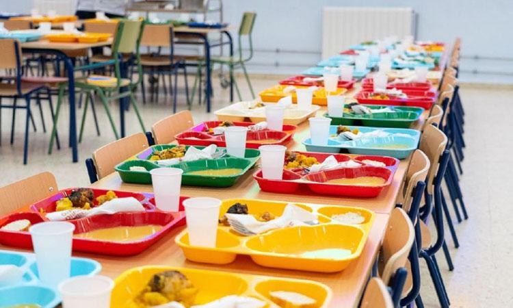 Més de 4,5 milions en beques menjador per al curs escolar