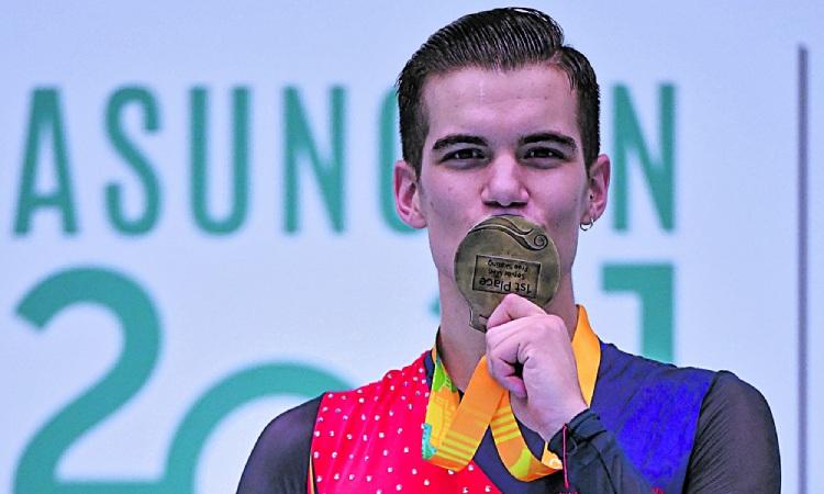 Pau Garcia petó medalla