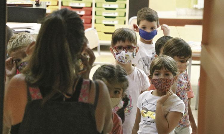 """""""Hem sobreviscut"""": les escoles acaben el curs satisfetes tot i la pandèmia"""