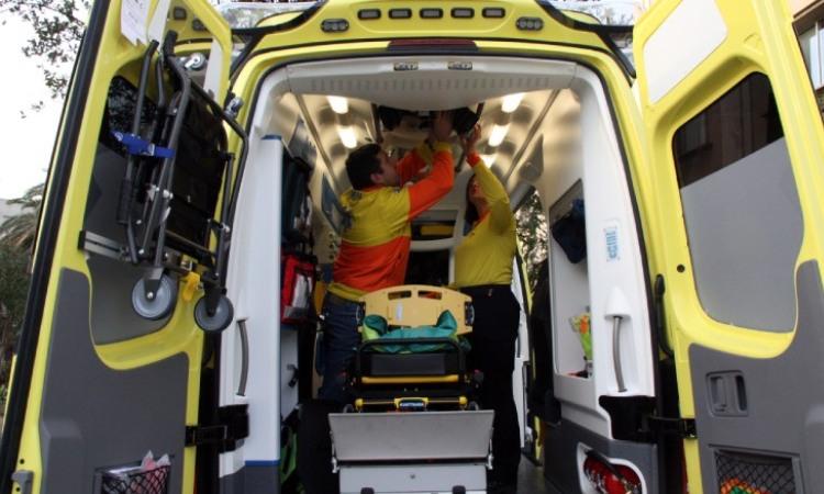 Interior d'una ambulància del SEM
