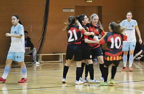 L'equip celebra el gol de la victòria en el partit contra el Red Stars. Foto: CFSE