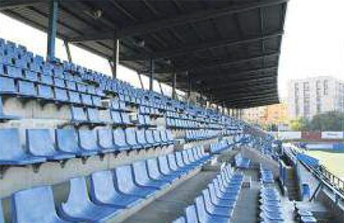 Can Peixauet és un altre dels camps mítics del futbol català. Foto: CE Europa