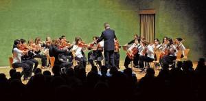 L'Orquestra Salvador Ribas celebra les noces d'argent