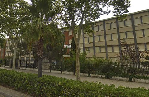 Els dos instituts estan de costat. Foto: Google Maps