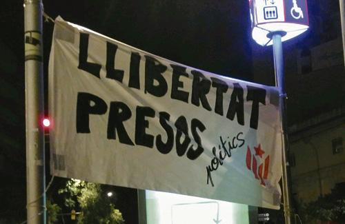 A les Corts s'han vist pancartes de protesta aquests dies. Foto: CDRLesCorts