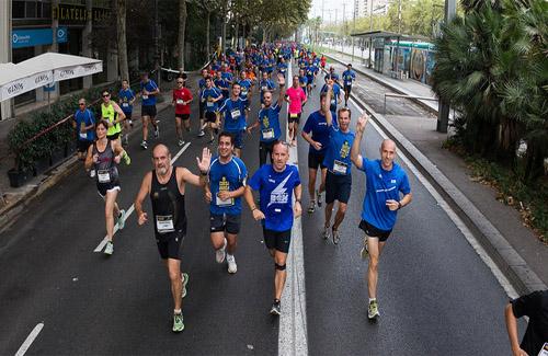 Atletes a la Cursa Barça. Foto: Víctor Salgado / FCB