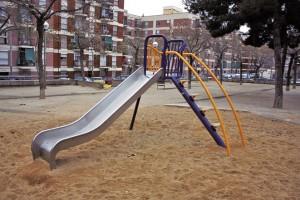 El manteniment no arriba al parc infantil d'Alcúdia