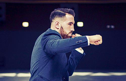 Martín, en una imatge promocional del combat. Foto:SM