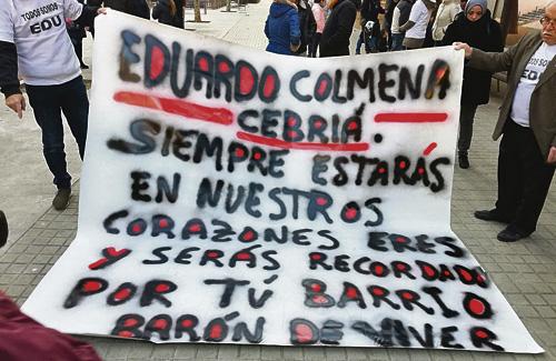 Pancarta per recordar Eduardo Colmena. Foto: Twitter (@santanagonzalez)