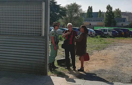 Els veïns demanen l'expulsió dels legionaris. Foto: Twitter (@VdeRuben)