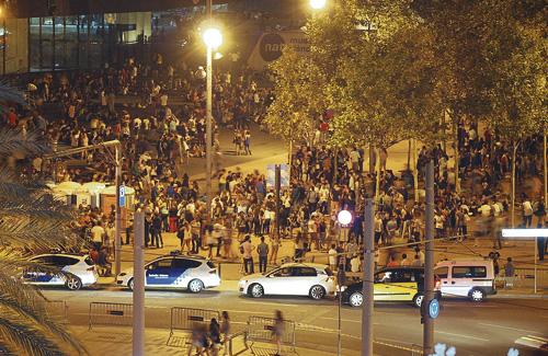 Els veïns han tornat a denunciar la situació. Foto: Associació Zonafòrum