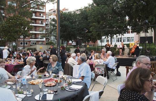 Imatge del sopar de Festa Major de Sant Gervasi. Foto: Districte