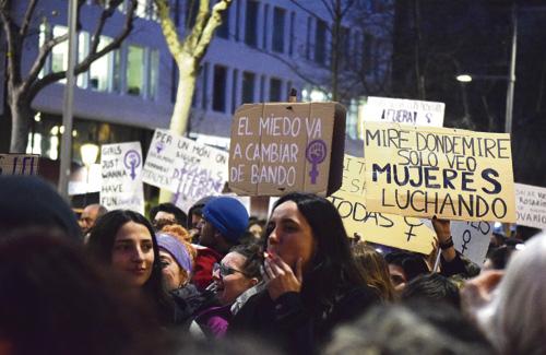 El feminisme es planteja cap on ha de focalitzar el seu missatge després de la polèmica sentència de la Manada. Foto: Oscar Murillo / Línia