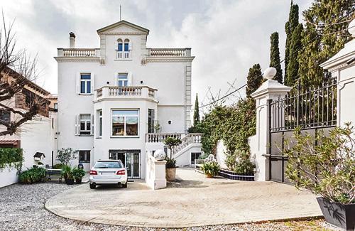 Les cases de luxe estan majoritàriament al districte. Foto: Barnes International