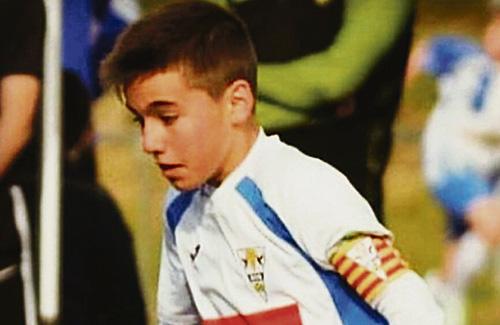 El jove futbolista, amb la samarreta blanca granollerina. Foto:ECG