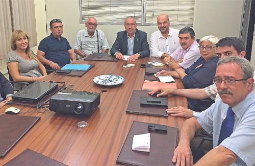 Reunió per demanar millores a l'Ecoparc2. Foto: Ajuntament de Ripollet