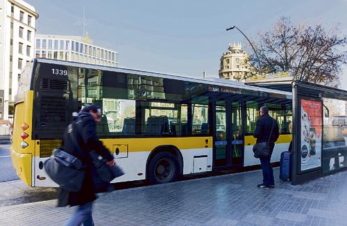 Moure's en transport públic, com ara en bus, pels 36 municipis de la metròpolis de Barcelona serà més barat a partir del gener. Foto: AMB