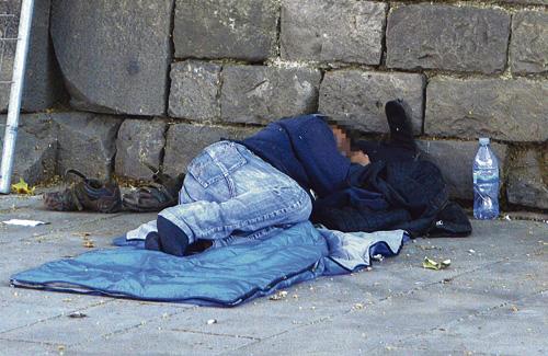 La pobresa també és la causa de situacions d'exclusió social. Foto: Cristian López