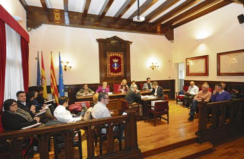 Un Ple extraordinari aprova la congelació de l'IBI a Esplugues