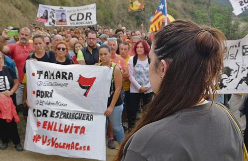 Tamara Carrasco en l'acte de suport a Sant Ramon. Foto: Twitter (@EstasTamara)