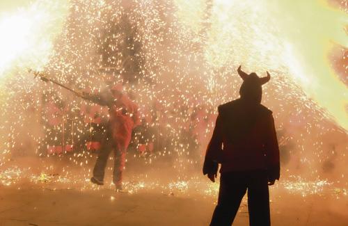 Els Diables van celebrar els 35 anys amb un correfoc. Foto: Ajuntament