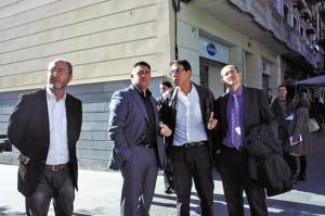 El líder d'ERC fa campanya electoral a l'eix de Creu Coberta