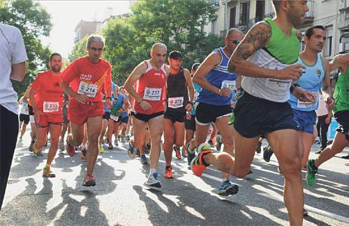 El carrer de Sants va tornar a acollir la cursa dels 2.000 metres. Foto: UE Sants